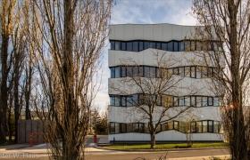 Adminstratívna budova v Bratislave – Foto (c) Peter W. Haas9