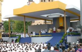 Počas Omše, 12.9.2003