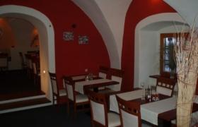 Reštaurácia Červený Rak9