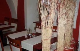 Reštaurácia Červený Rak11