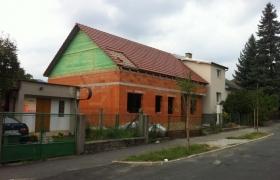 Po zakrytí strechou