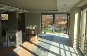 Budúca obývačka s výhľadom na krupinskú vartovku