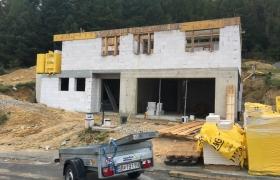 Z rozostavanej stavby - október 2016