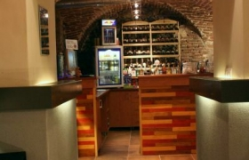 Wine & music bar Lucerna11