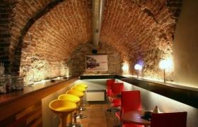 Wine & music bar Lucerna7